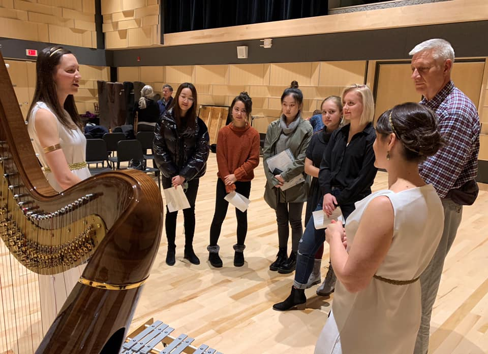Atlantic Harp Duo talks to students at Interlochen Center for the Arts